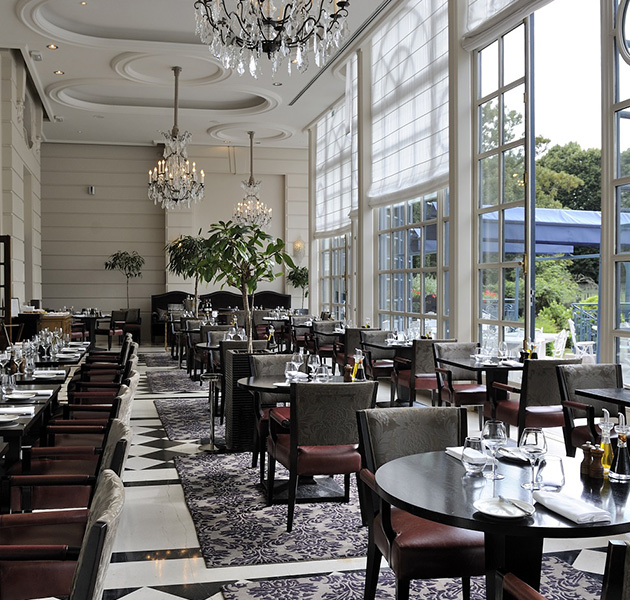 La veranda versailles gordon ramsay restaurants for Cuisine veranda photos