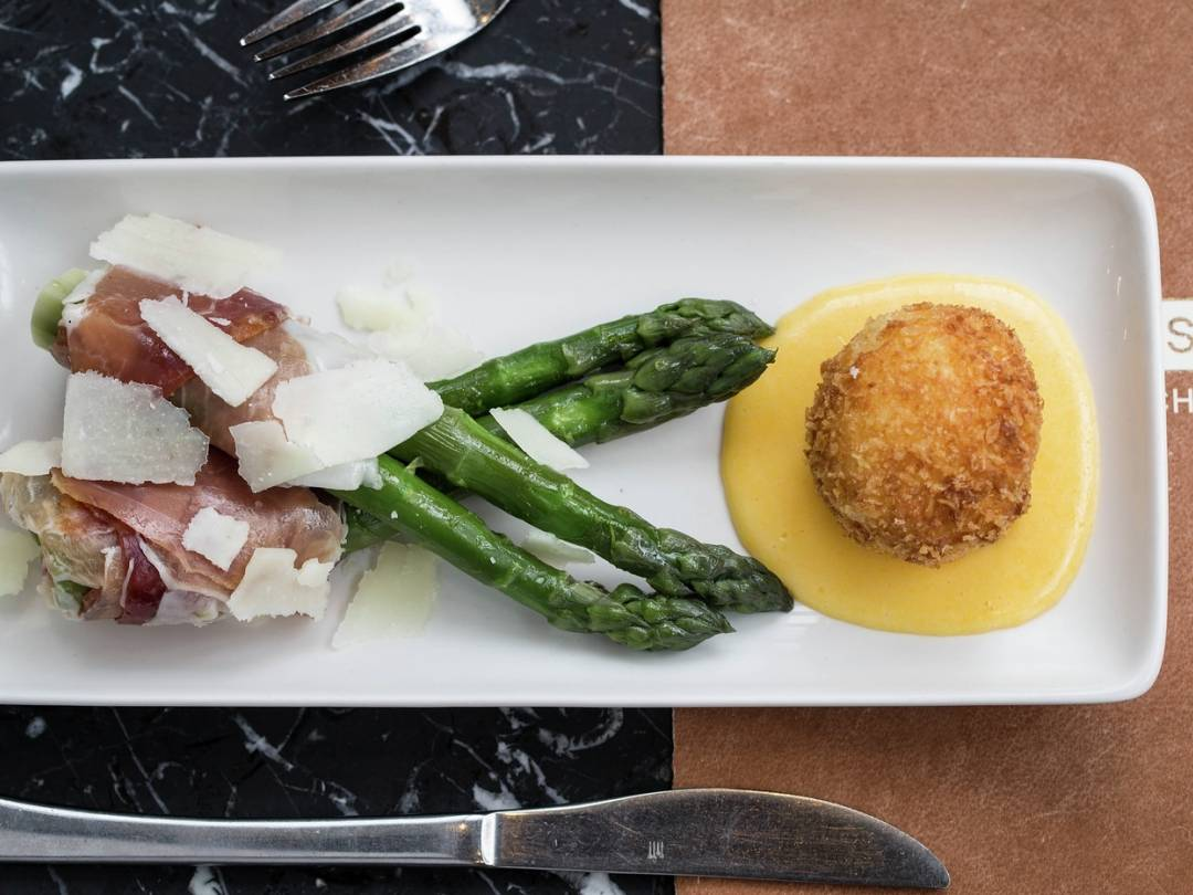 english asparagus cured ham crispy egg recipe