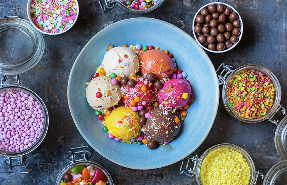 HSK Ice cream bowl and toppings 800px