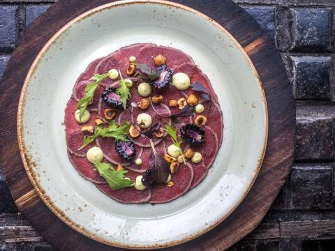 Carpaccio of Red Deer blackberry dill hazelnut 2 web