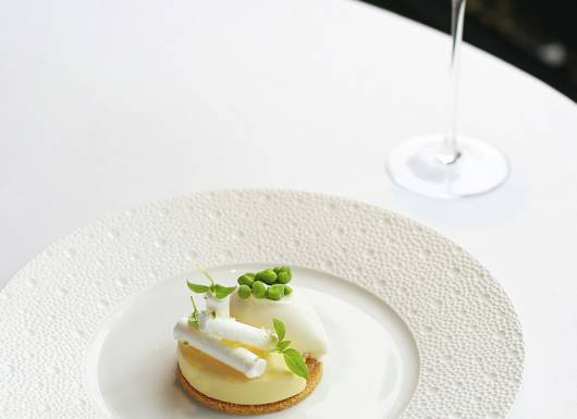 Petrus Mothers Day Dessert 800px