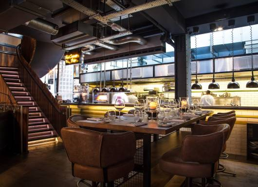 Kitchen chefs tables gordon ramsay restaurants heddon street kitchen watchthetrailerfo