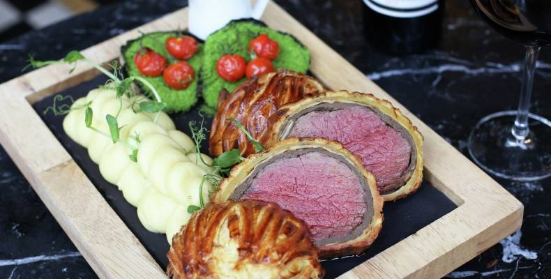 BSK Beef wellington and wine dinner sliced wellington serve 2019