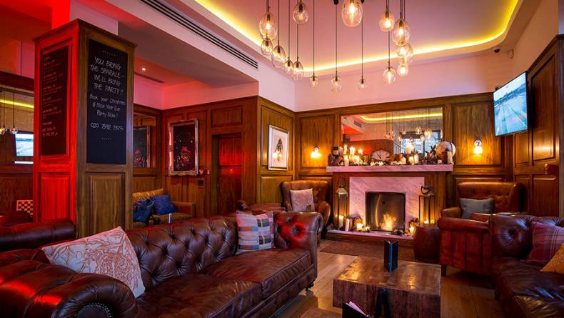 London House festive lounge 900px
